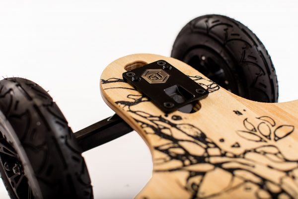 Evolve GT Bamboo All-Terrain The Bamboo GT AT boasts super-carve trucks, regenerative ABS braking and even more versatility in wheel options – all on the stylish new Bamboo GT deck.  Range:20KM Top Speed: 35KM/U Highlights: Bamboo materials, Rugged Wheels, Power.