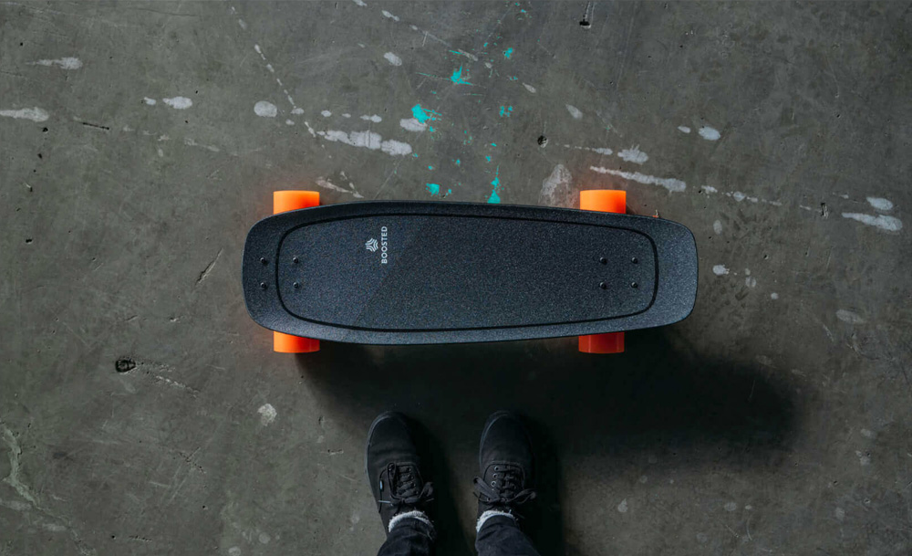 Boosted Board Mini S Boosted Mini S is where power meets agility. It fits perfectly under desks, in overhead storage on busses and trains, and is built for riders who are always on the move. Best of all, Boosted Mini delivers the same powerful acceleration and smooth, secure braking you expect from Boosted with ride modes and acceleration patterns designed to suit the board's compact profile.   Up to 11KM  Top Speed Up to 28 km/h  Hill Climbing Up to 20% Grade  Weight 6.8kg  Power 1,000 Watts  Brakes Regenerative Brakes