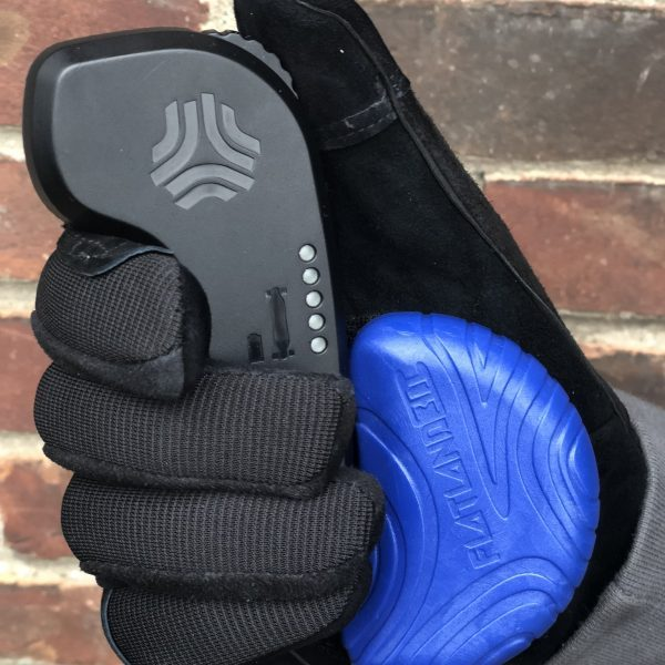 "E-Skate Slide Puck The flatland3d E-Skate Slide Puck is the first slide puck designed with room to hold an e-skate remote. Standard ""hook and loop"" backing allows it to attach to most typical longboarding slide gloves.