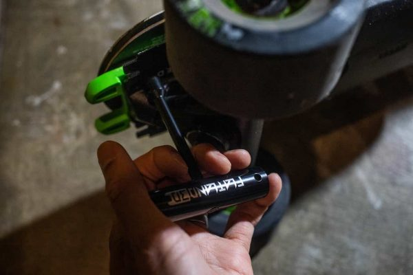 Flatland e-skate tool kit The E-Skate Tool Kit contains everything Boosted riders need for maintenance, adjustments, or on-the-road repairs.