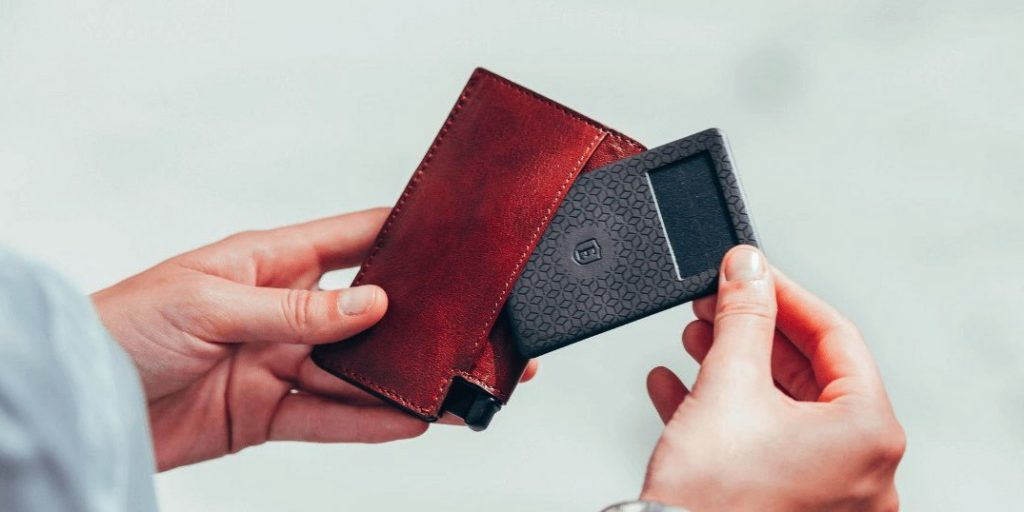 How Ekster became the best travel wallet Ever put your hand in your pocket, and felt that your wallet was missing? That cold fear is part of the past, because of a collaboration between Rotterdam, New York and a little bit of Italian detail.