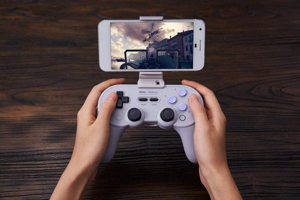 Phone Clip for 8Bitdo SN30 Pro+ Attach your 8Bitdo SN30 Pro+ controller to your phone! Available in black and grey.