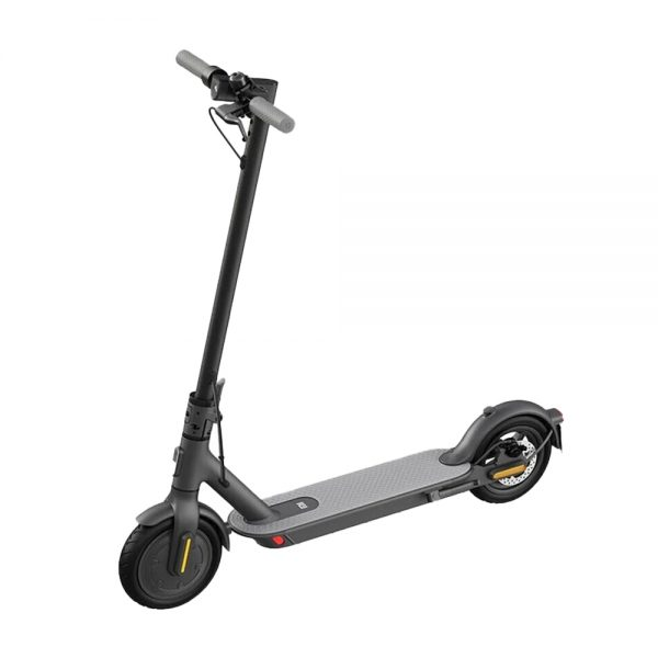 Xiaomi M365 1S Looking into buying an electric scooter for your commute? The new and improved Xiaomi M365 1S is just for you. With a top speed of 25 km/h and a range of 18 to 25. it's the perfect electric scooter for both experienced riders and newcomers to the e-scooter scene, with a sleek minimal black design.  Topspeed: 25km/h Range: 18-25km Highlights: Improved allround, European service, Shock absorption.